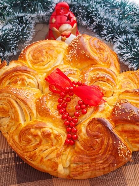 Коледна погача със сусам - снимка на рецептата